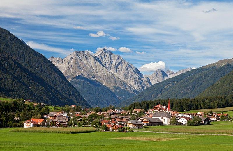 Rasun In Alto Adige Hotel Appartamenti E Ulteriori Alloggi